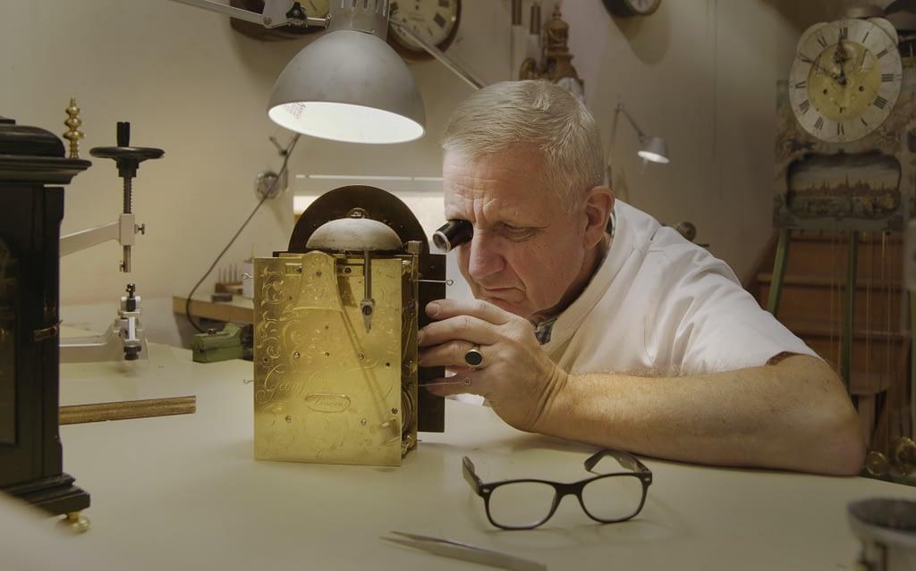 Reparatie in Atelier Geert Mouthaan Klok